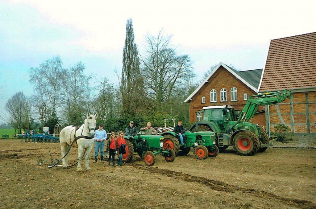 Hof Sudhaus Middendorf - Landwirtschaft früher und heute - Bild 01